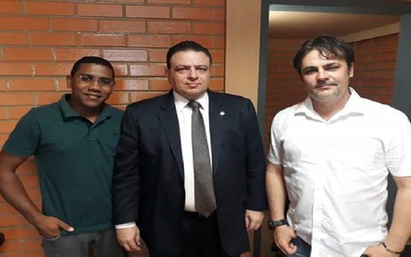 Prefeito Roger Linhares visita deputado na ALEPI e solicita investimentos para José de Freitas