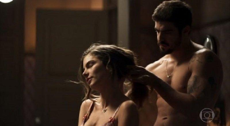 Cena de sexo entre Caio Castro e Bruna Hamú enlouquece a web