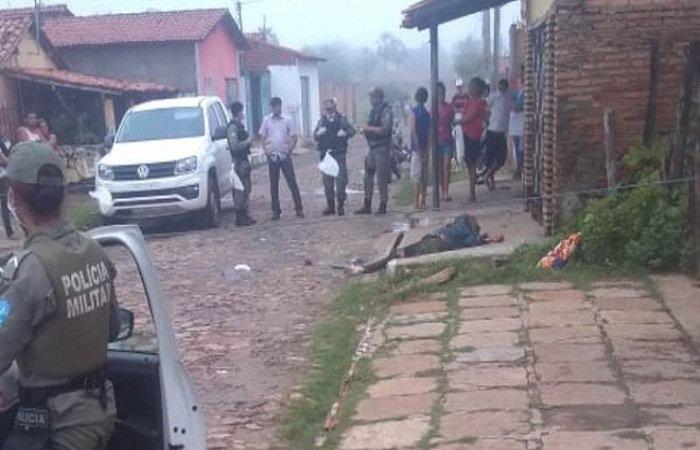 Homem é encontrado morto a facadas; polícia não tem suspeito
