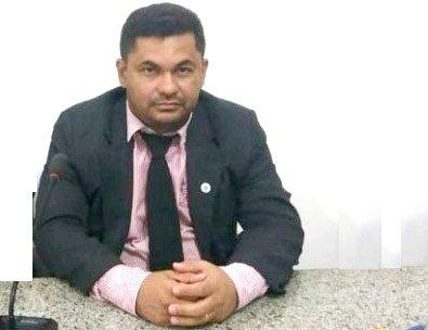 Vereador Carlos Augusto Filho solicita construção e reforma de paradas de ônibus em José de Freitas