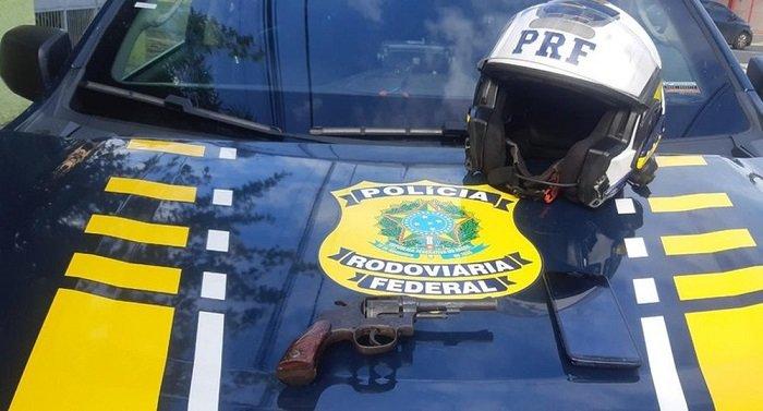 PRF prende jovem armado e apreende adolescente após perseguição em Teresina