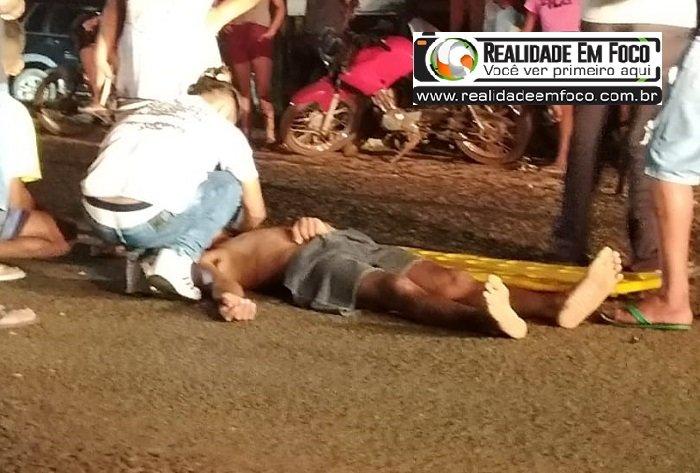 Colisão entre duas motos deixa pelo menos dois jovens gravemente feridos em José de Freitas