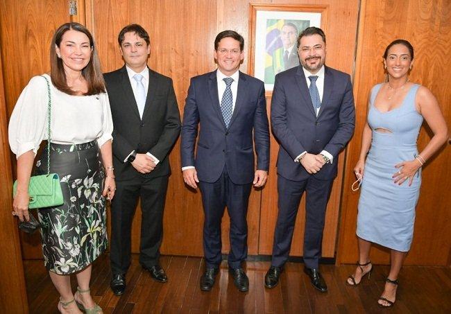 Prefeito Roger Linhares vai a  Brasília em busca de recursos para fazer obras em José de Freitas