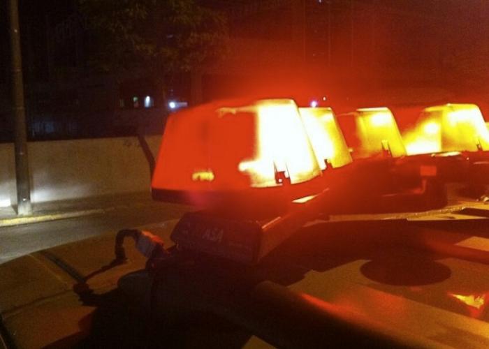 Policial mata deficiente com tiro na cabeça após ser ferido com um facão